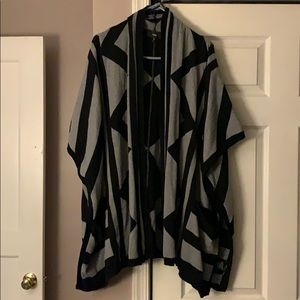 Mossimo Black Gray Sweater poncho shrug Size Sm/Md